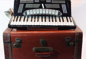 Vintage Universal Model: 45113 Accordion (Made in Italy) with Case