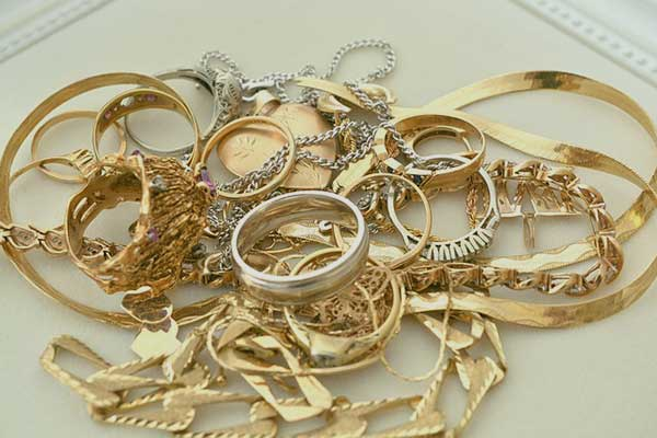 we buy unwanted or broken jewelry, Gold, Silver, Platinum, Coins