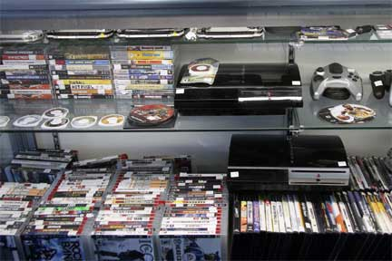 Buy or sell playstation or xbox video games