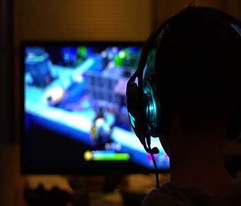 Buying Video Games at Central Mega Pawn