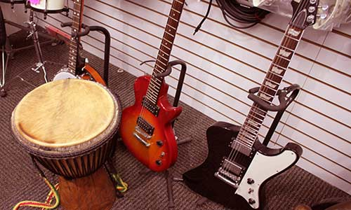 Best place to buy sell or pawn Musical Instruments near Pomona CA