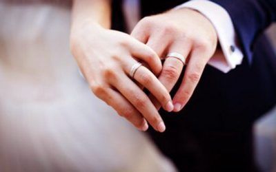 Should I Buy a Wedding Ring From a Pawn Shop?